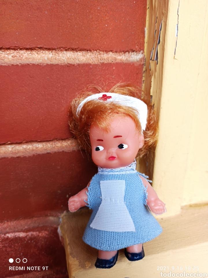 Muñeca española clasica: Muñeca enfermera años 60 pequeña tipo tin tan marcada silqui - Foto 4 - 287953628