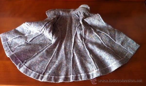 Muñeca Gisela: Abrigo original de muñeca LILI, a la moda de los años 50 , tambien sirve para Sofia , Viviana etc - Foto 4 - 54287777