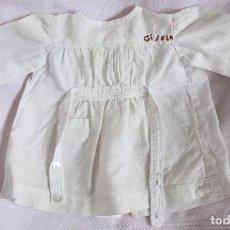 Muñeca Gisela: ANTIGUO BABY DE COLEGIO DE GISELA -CLOTHES FOR DOLLS, POUPÉES. Lote 121896719