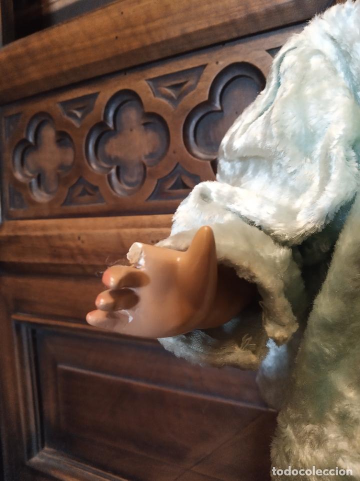 Muñeca Gisela: Muñeca Lily hermana de Gisela. Precioso traje con capucha. Carmen Cervera Giralt. Años 40. - Foto 5 - 182710670