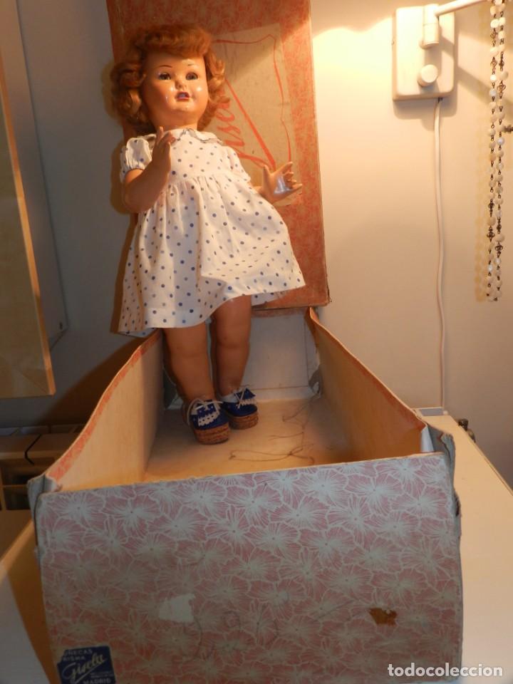 Muñeca Gisela: Muy bonita muñeca Gisela en su caja y con una peluca muy bonta de mohair-ver todas las fotos. - Foto 9 - 188594728