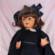 Muñeca Gisela: ANTIGUA GISELA GORDITA, CARTON PIEDRA, ROPA ORIGINAL DE COLEGIALA - DOLL, POUPÉE. Lote 215443848