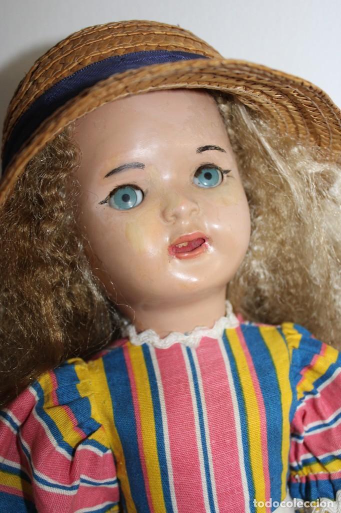 Muñeca Mariquita Pérez y Juanin: Hermosa muñeca Mariquita Pérez delgada, con abanico y bolsa de viaje - Foto 3 - 202345831