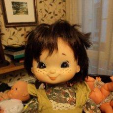 Muñecas Lesly y Barriguitas: MUÑECA DE FAMOSA . Lote 26027876
