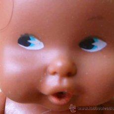 Muñecas Lesly y Barriguitas: MUÑECA BARRIGUITAS, NEGRA, MADE IN SPAIN, FABRICADA POR FAMOSA. Lote 26350362