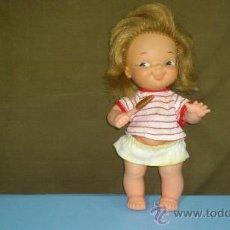 Lesly and Barriguitas dolls - MUÑECA CON HELADO DE FAMOSA. AÑOS 60-70. 8 CM.... - 29799043