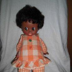 Muñecas Lesly y Barriguitas: BONITA MUÑECA NEGRA DE FAMOSA. Lote 42107070