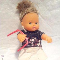 Muñecas Lesly y Barriguitas: MUÑECA BARRIGUITAS DE FAMOSA CON PIERNAS RÍGIDAS ORIGINAL EPOCA. Lote 42300023