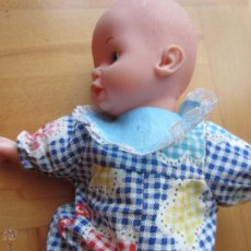 Lesly and Barriguitas dolls - Muñeca de Famosa made in Spain rie y habla - 44676441