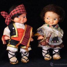 Muñecas Lesly y Barriguitas: PAREJA MUÑECAS RAPADIÑA TRAJES REGIONALES DE FAMOSA. AÑOS 60. Lote 45619781