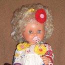 Muñecas Lesly y Barriguitas: MUÑECA COQUETA DE FAMOSA. CONTIENE ESPEJO Y PEINE.. Lote 64628190
