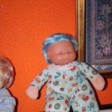 Muñecas Lesly y Barriguitas: MUÑECA MUÑECO DE FAMOSA CON CUERDA . Lote 50591134