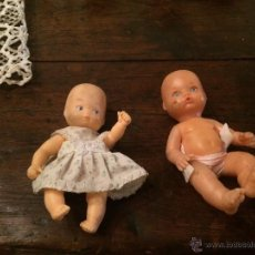 Muñecas Lesly y Barriguitas: ANTIGUAS 2 MUÑECAS BARRIGUITAS DE LOS AÑOS 70-80, UNA VESTIDA Y LA OTRA CON PAÑALES . Lote 51177180
