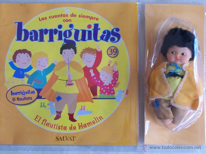 MUÑECA BARRIGUITAS Y CUENTO EL FLAUTISTA DE HAMELIN. SERIE CUENTOS. FAMOSA. EN BLISTER (Juguetes - Muñeca Española Moderna - Barriguitas)