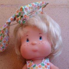 Muñecas Lesly y Barriguitas: MUÑECA CUCA DE FAMOSA ORIGINAL AÑOS 90, OJOS PINTADOS. Lote 55401588