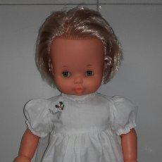 Muñecas Lesly y Barriguitas: MUÑECA DE FAMOSA. Lote 66157171