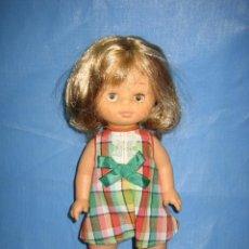 Muñecas Lesly y Barriguitas: MUÑECA DE FAMOSA. Lote 104761807