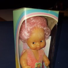 Muñecas Lesly y Barriguitas: MUÑECA BARRIGUITAS CAMBIA DE COLOR- PELO COLOR ROSA. Lote 145900906