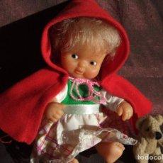 Muñecas Lesly y Barriguitas: ANTIGUA MUÑECA BARRIGUITAS, SOLO FAMOSA . CAPERUCITA ROJA. CUENTOS. Lote 151470966