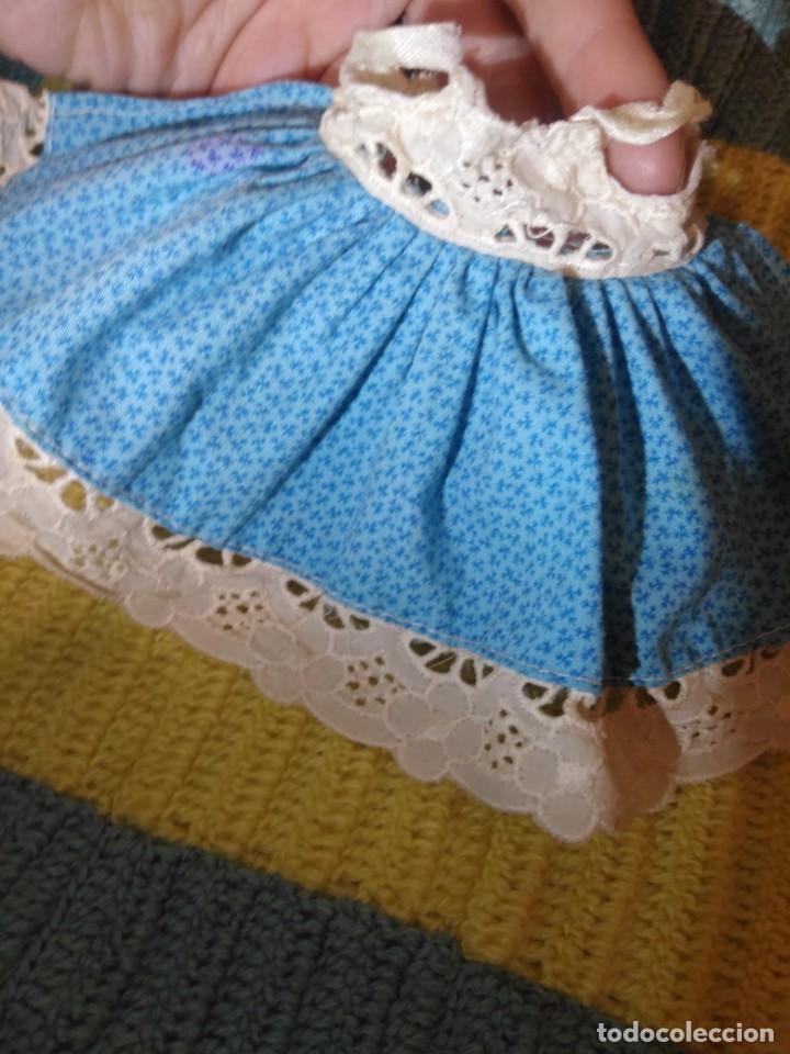 Muñecas Lesly y Barriguitas: Faldón azul vestido de Barriguitas de Famosa - Foto 2 - 155873814