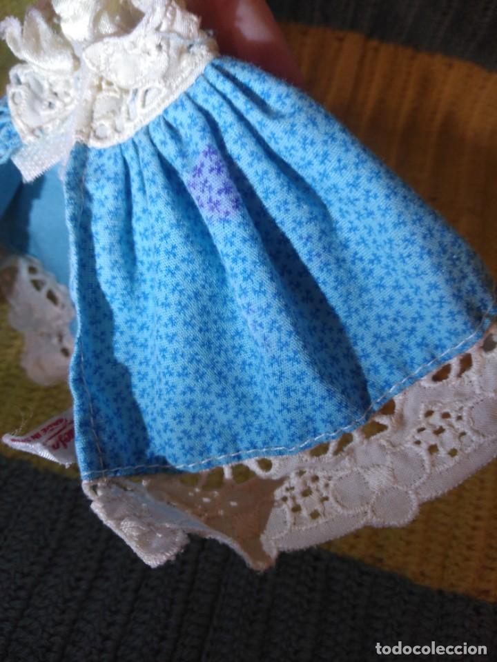 Muñecas Lesly y Barriguitas: Faldón azul vestido de Barriguitas de Famosa - Foto 3 - 155873814