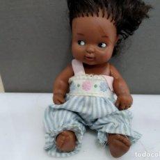 Muñecas Lesly y Barriguitas: ANTIGUA BARRIGUITAS DE FAMOSA NEGRITA CON VESTIDO . Lote 165336942