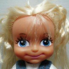 Muñecas Lesly y Barriguitas: MUÑECA BARRIGUITAS MONO TEJANO Y BOTAS 2008. Lote 194542772