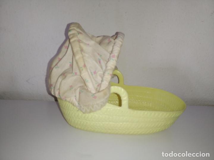 Muñecas Lesly y Barriguitas: Capazo con capota de muñeca Barriguitas de Famosa - Foto 2 - 195030002