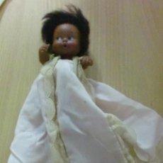 Muñecas Lesly y Barriguitas: BARRIGUITAS NEGRITO BESITOS CON FALDÓN CASERO. Lote 195311788