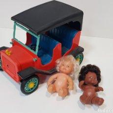 Muñecas Lesly y Barriguitas: COCHE BARRIGUITAS + 2 MUÑECAS. Lote 195389938