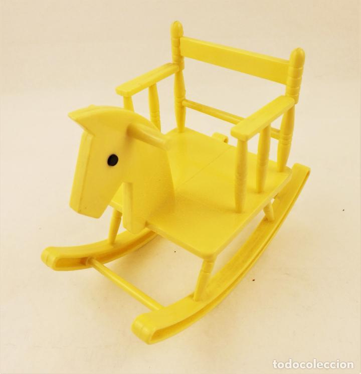 Muñecas Lesly y Barriguitas: Barriguitas de Famosa caballo balancín - Foto 2 - 207482640