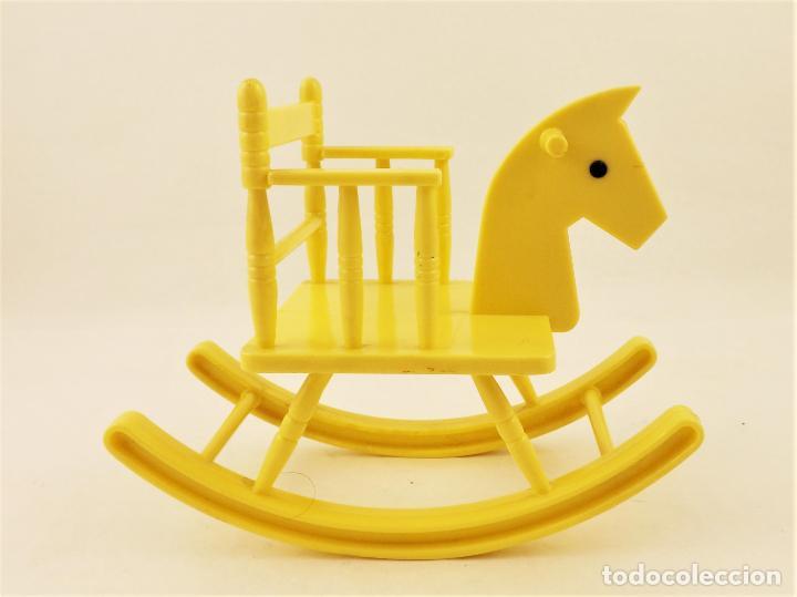 Muñecas Lesly y Barriguitas: Barriguitas de Famosa caballo balancín - Foto 4 - 207482640
