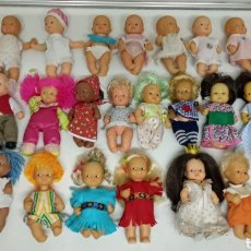 Muñecas Lesly y Barriguitas: 26 BARRIGUITAS VESTIDAS FAMOSA MADE IN SPAIN. Lote 210351133