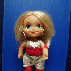 Muñecas Lesly y Barriguitas: MUÑECA BARRIGUITAS PATINADORA DE FAMOSA 1998. Lote 218017631