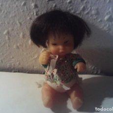 Muñecas Lesly y Barriguitas: ANTIGUA BARRIGUITAS ORIENTAL CHINA CON ROPA DE ORIGEN. Lote 222316970