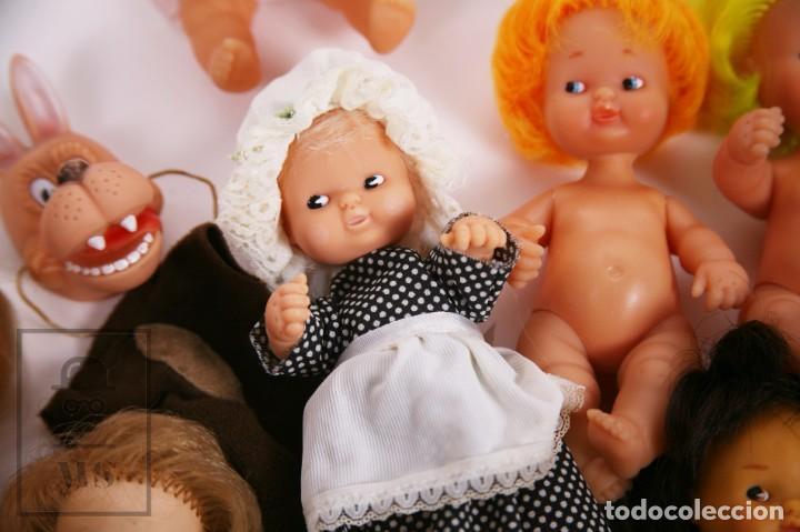Muñecas Lesly y Barriguitas: Gran Conjunto 16 Muñecas Barriguitas de Famosa con Guardería - Retoño, Careta Lobo... - Años 70-80 - Foto 15 - 222429170