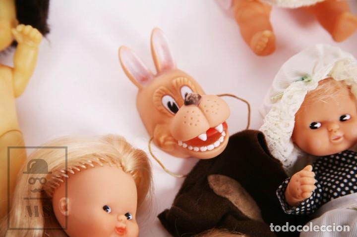Muñecas Lesly y Barriguitas: Gran Conjunto 16 Muñecas Barriguitas de Famosa con Guardería - Retoño, Careta Lobo... - Años 70-80 - Foto 16 - 222429170