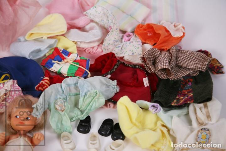 Muñecas Lesly y Barriguitas: Gran Conjunto 16 Muñecas Barriguitas de Famosa con Guardería - Retoño, Careta Lobo... - Años 70-80 - Foto 25 - 222429170