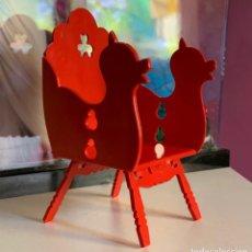 Muñecas Lesly y Barriguitas: BARRIGUITAS ANTIGUAS SILLA ROJA TIOVIVO. Lote 222556615