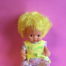 Muñecas Lesly y Barriguitas: BARRIGUITAS PELO AMARILLO FOSFORESCENTE, BRILLA EN LA OSCURIDAD. Lote 226013530