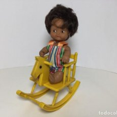 Bambole Lesly e Barriguitas: BARRIGUITAS FAMOSA ANTIGUO NIÑO CON BALANCÍN. Lote 234010790