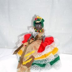 Muñecas Celuloide: MUÑECA NEGRITA DE CELULOIDE VESTIDA DE CARMEN MIRANDA AÑOS 40. Lote 13792641