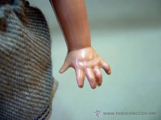 Muñecas Celuloide: ANTIGUA MUÑECA, PLASTICO RIGIDO, ALEMANIA, MARCA E S, EN LA ESPALDA, GERMANY, 15 CM, PELO FOLCADO - Foto 6 - 29188498
