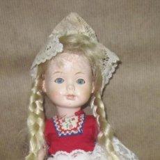 Muñecas Celuloide: MUÑECA DE CELULOIDE,VESTIDA DE HOLANDESA,AÑOS 50. Lote 32688318
