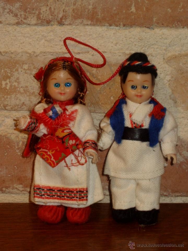 PAREJA DE MUÑECOS DE CELULOIDE TRAJE REGIONAL. (Juguetes - Muñeca Extranjera Antigua - Celuloide)