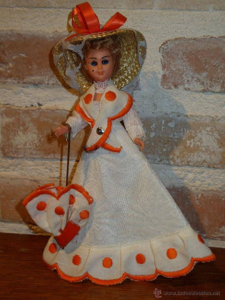 Muñecas Celuloide: ANTIGUA MUÑECA DE CELULOIDE.CON PAMELA Y PARAGUAS. DAMA ANTIGUA - Foto 4 - 41462356