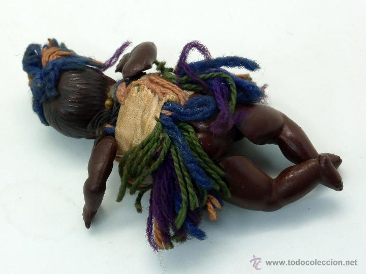 Muñecas Celuloide: Muñeca celuloide negra con ropa años 30 8,5 cm alto - Foto 2 - 44868237