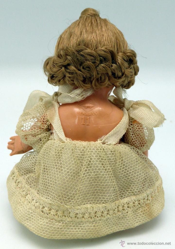 Muñecas Celuloide: Muñeca alemana celuloide La Tortuga Schildkrot Puppe Germany vestido encaje años 30 11 cm - Foto 2 - 45683277