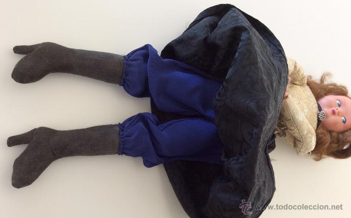 Muñecas Celuloide: Muñeca trapo hecha a mano con cara de celuloide y manos de plástico. Pelo de mohair y ojos googli. - Foto 6 - 77905998