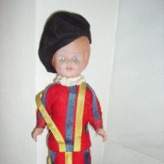 Muñecas Celuloide: ANTIGUO MUÑECO ITALIANO DE CELULOIDE GUARDIA SUIZA DEL VATICANO. Lote 54116854